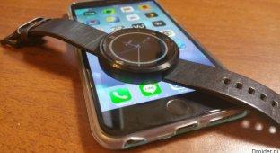 Неофициальное приложение «подружило» iPhone и смарт-часы на Android Wear