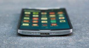Samsung работает над новым изогнутым смартфоном, и это не Galaxy S6